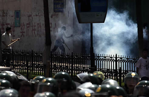 Tear Gas Used To Disperse Han-Chinese Colonists in Urumchi