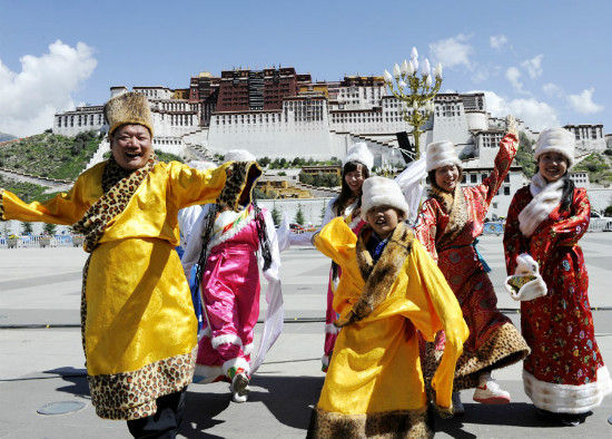 Chinese tourists mostly ignorant on the dark reality of China's occupation of Tibet
