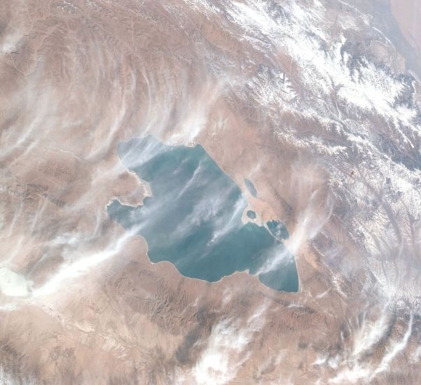 Tibet Lake Under Threat